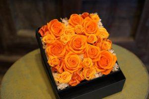 オレンジのバラのボックスフラワー