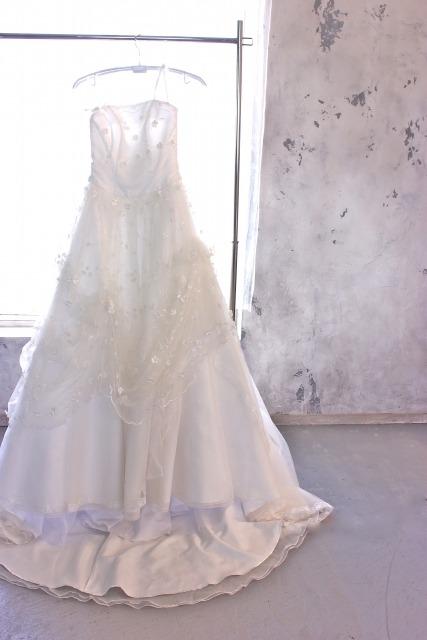 『カラフルドライのブーケ』が似合うドレスのタイプは?