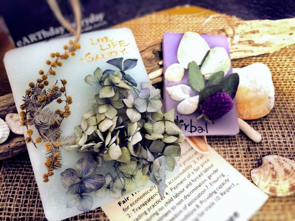 かわいらしくふんわりと優しく香りを楽しめる人気のアロマワックスバー